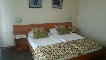 hotel-aleksandar-nis-standardna-dvokrevetna-soba-1