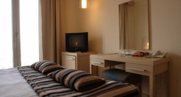 hotel-aleksandar-nis-room-for-guests-with-disabilities