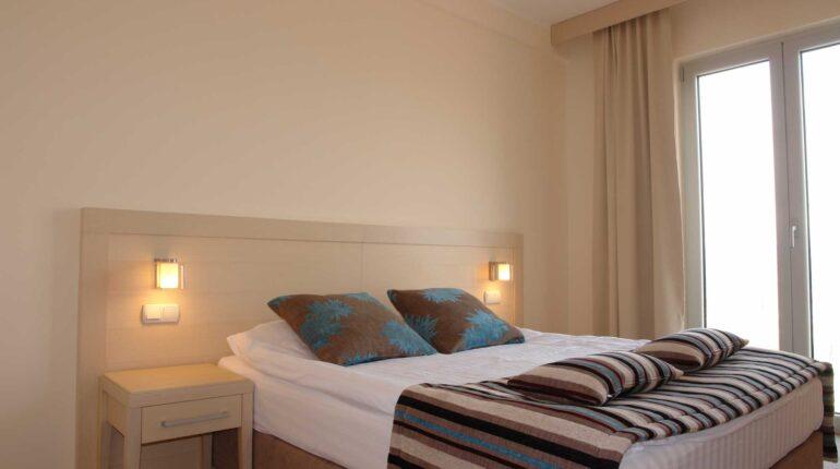 hotel-marica-nis-standard-room-double-bed-01